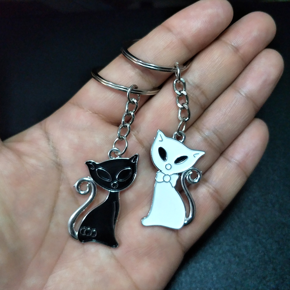 1 Pair Couple Cat Keychain Charm for Bag Cute Anime Key Chain For Women Best Friend Car Keyring Lovely Jewelry Child Gifts 2020