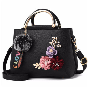 Leather Women Shoulder Tote Flowers Shell Rivets Fur Ball Pendant Luxury Designer Ladies Hand Bags