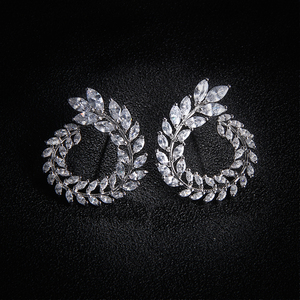 Image 3 - 4 Pcs Leaf Shape Fashion CZ Necklace Earring Bracelet and Ring Sets Brand Zirconia Silver Color Jewelry Sets Women Accessories