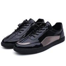 Primavera 2020 nuevos zapatos de mesa para hombre casual charol salvaje low-top