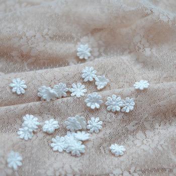Mini flores blancas solubles en agua ropa adorno de tela parche de pasta de tela ancho 1,2 cm