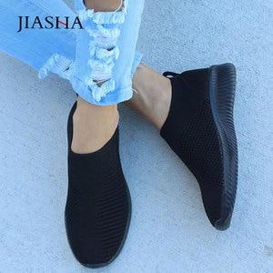 Image 2 - Sneaksrs النساء أحذية 2020 موضة الحياكة تنفس أحذية مشي الانزلاق على حذاء مسطح حذاء كاجوال مريحة امرأة حجم كبير