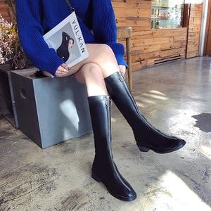 Image 2 - NOVEDAD DE MODA mujeres hasta la rodilla botas PU bajo cuadrado del dedo del pie botas de otoño e invierno cremallera sólida zapatos de las señoras