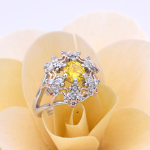 Charming and unique honey yellow crystal ring set with high-grade zircon CZ ladies casual jewelry fashion gift female ring(China)