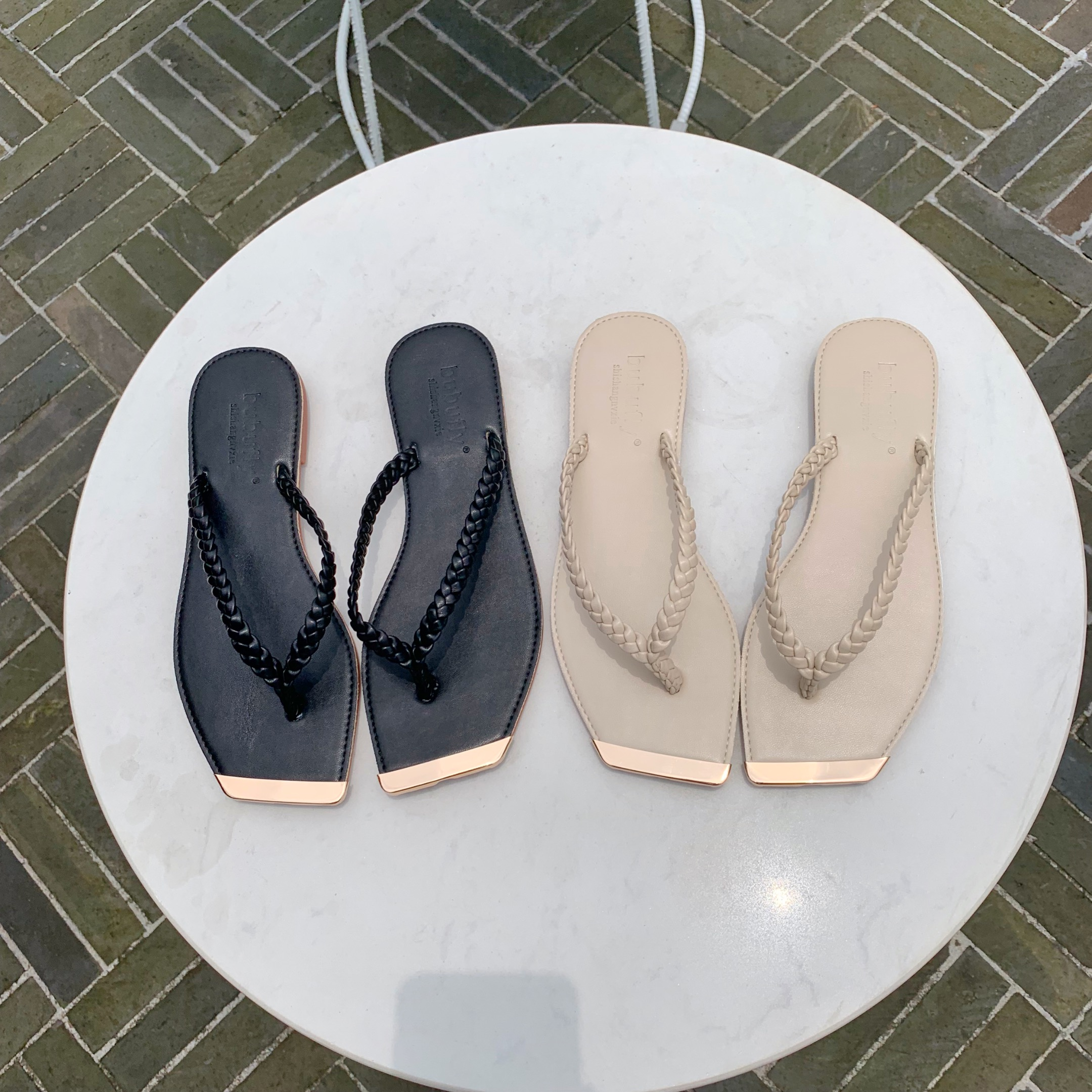 Summer New Fashion Simple Clip Toe Braided Belt Square Head Flat Casual Casual Slippers Women