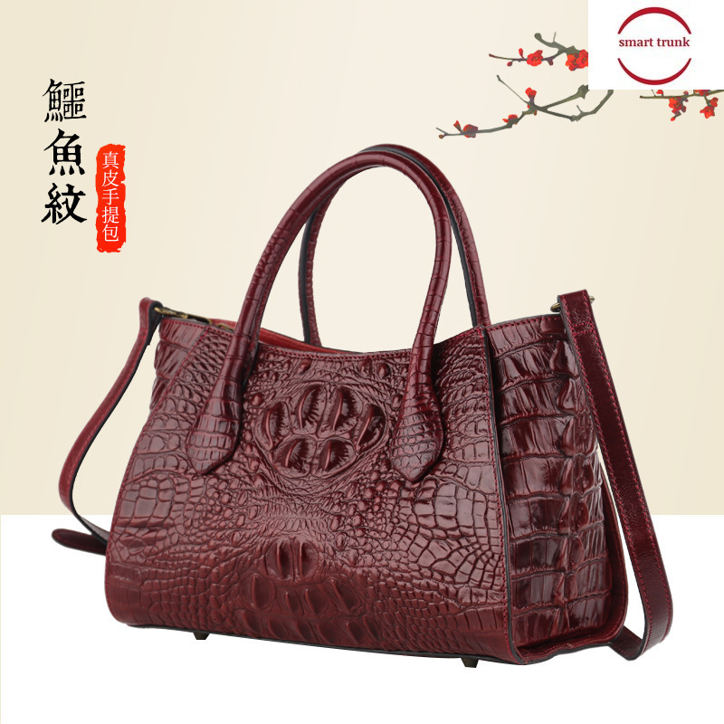 Bag Woman 2019 Crocodile Grain Package Women's Oblique Satchel Head Layer Cowhide Women's Fashion Package Tide