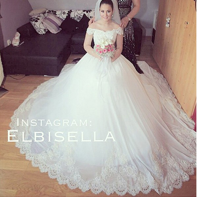 Vintage Chapel Train Bridal Dresses Lace Appliques Off Shoulder Ball Gown Sweetheart Neckline Puffy Chiffon Wedding Dresses 2015