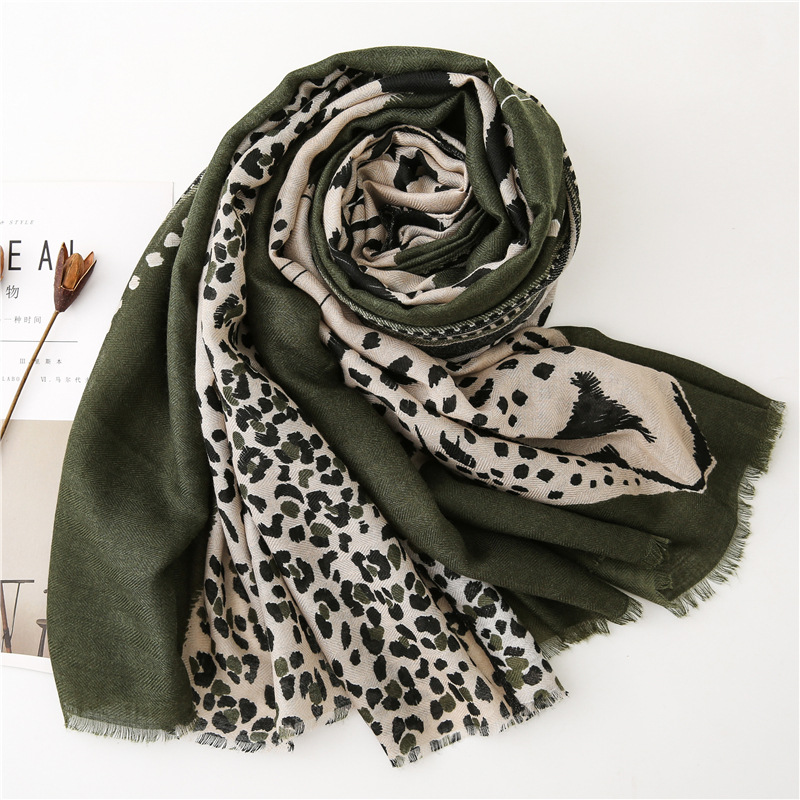 Image 3 - accesorios mujer chic green blue red grey leopard scarf women  autumn fashion long leopard pattern scarf Sjaal Muslim Hijab  SnoodWomens Scarves