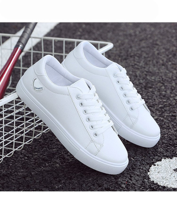 2019 Autumn Woman Shoes Fashion New Woman PU Leather Shoes Ladies Breathable Cute Heart Flats Casual Shoes White Sneakers 19
