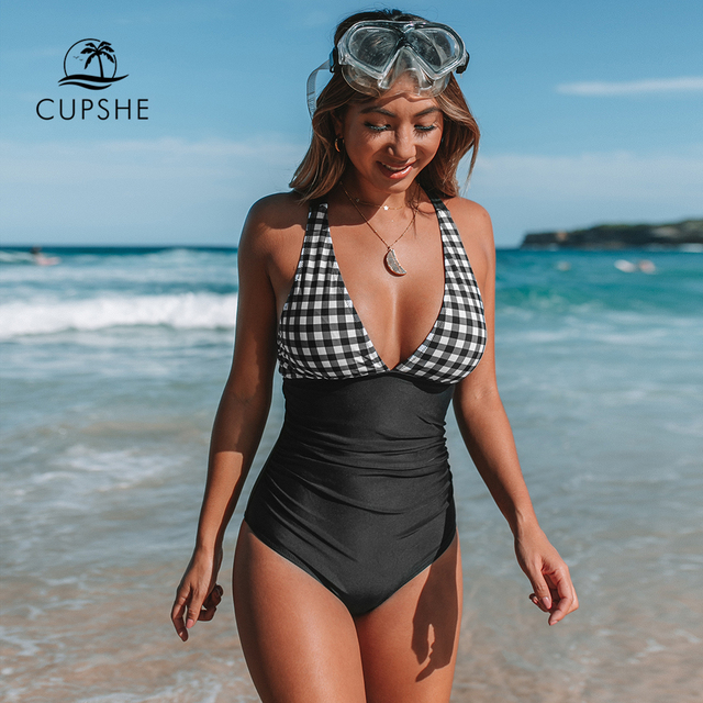 CUPSHE 흑인과 백인 깅엄 Ruched 원피스 수영복 여자 섹시한 다시 크로스 Monokini 2020 여자 비치 수영복