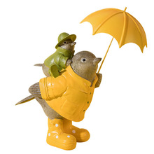 Abstract Bird Family Cartoon Figure With Umbrella Resin Figurine For Home Decoration Accessories Kids Room Display Ornament Toys cheap Love Europe Resin Ornaments vintage desktop decoration Europe figurines Resin artware family crafts WS-20042703