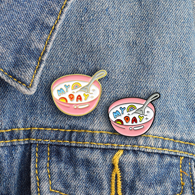 Edible Accessories Mini Jammy Dodger Brooch Food Jewellery Pin Brooch Cookie Pin Badge Cute Biscuit Pin Pin Badge