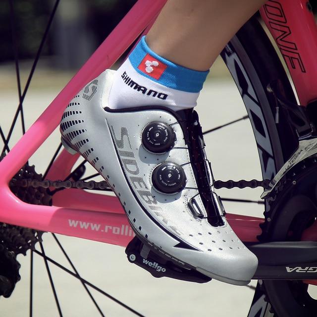 Seleção de vários estilos de sapatos de ciclismo de estrada, sola leve reflexiva de fibra de carbono superior e autotravamento 4
