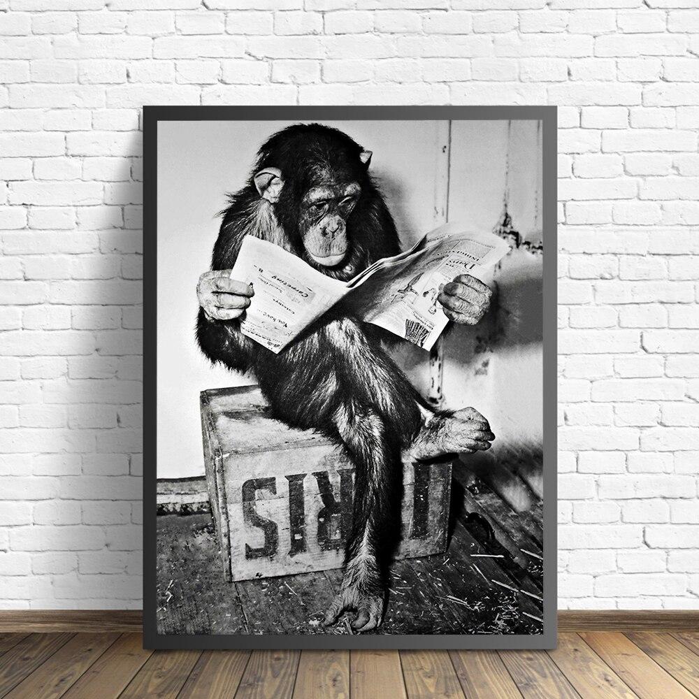 Забавная обезьяна деловой постер и печать на стене чтение газеты картина уборная комната Декор для гостиной черная белая художественная картина