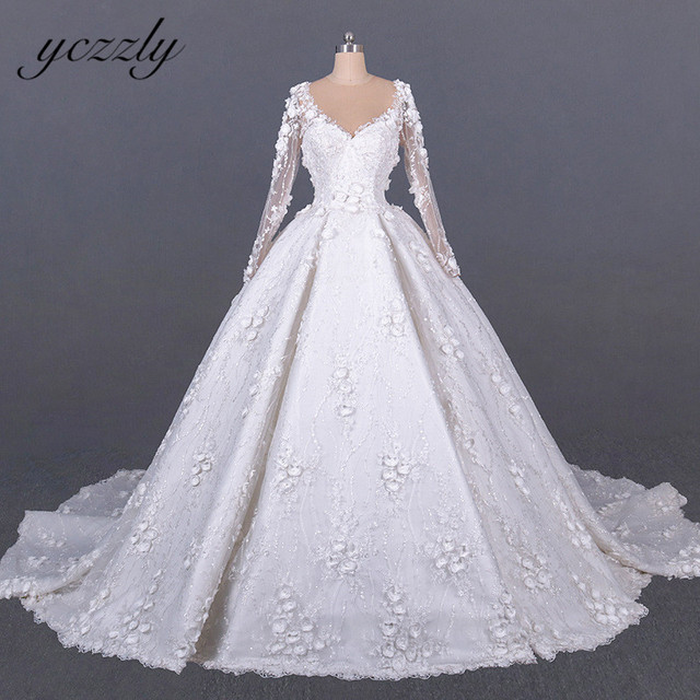 Saudi Arabic Wedding Gown Vintage V neck Long Sleeves Ball Gown Wedding Dress Plus Size Off White Lace Flowers Bride Dress YW276