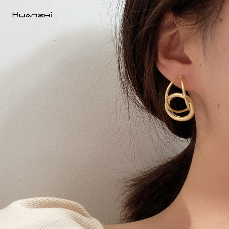 Korean-Style-Silver-Gold-Color-Irregular-Wave-Twisted-Geometric-Statement-Stud-Earrings-for-Women-Accessories-Fashion