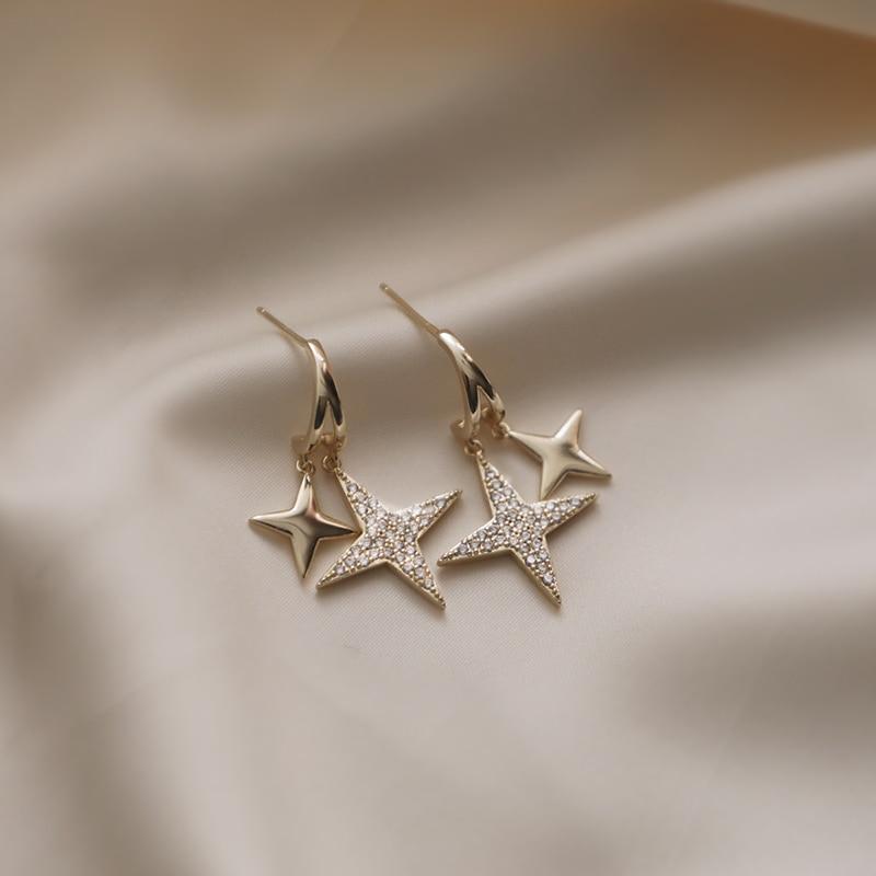 Temperament Design Earrings 2020 New Wave Spring Short Hair Earrings Female Korean Version Of Senior Sense Fashion Stud Earrings