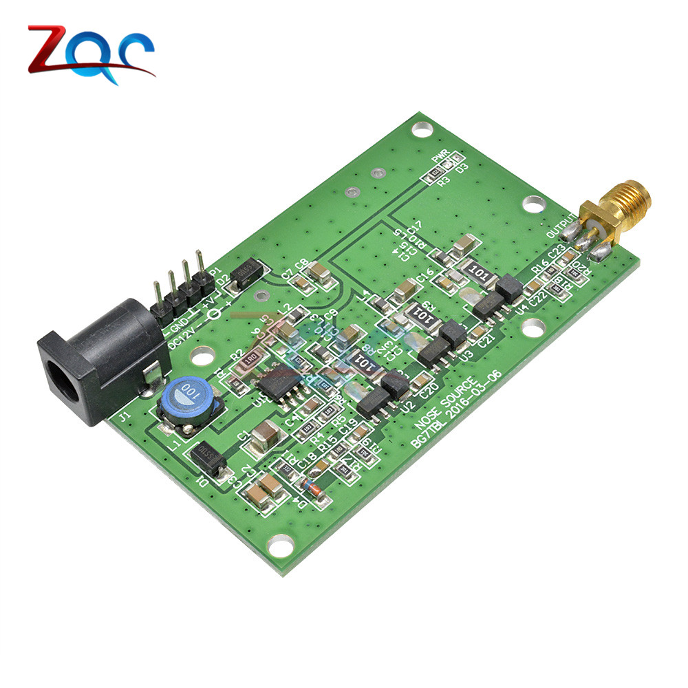 DC12V/0.3A Source de bourrage de bruit Simple spectre générateur externe suivi SMA Source cas DC12V/0.3A suivi générateurs de signaux