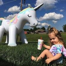 Al aire libre gigante unicornio aspersor juguetes de piscina para jardín de césped accesorios de fotografía de boda para niños adultos