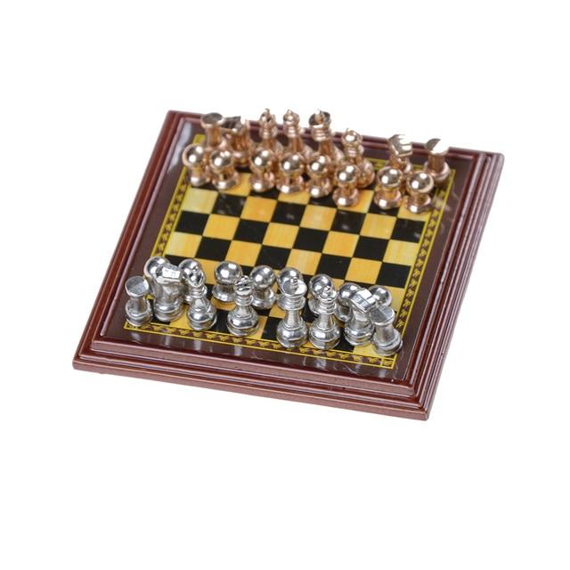 Jeu d'échecs en bois échiquier avec pièces en metal 2