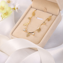 Bohemian hollow palm pendant necklace ladies fashion gold white crystal jewelry wholesale