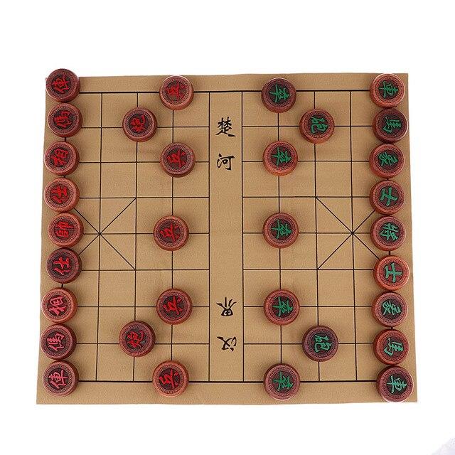 Jeu d'échecs chinois traditionnel de luxe Xiangqi avec des pièces en damier et en palissandre 2