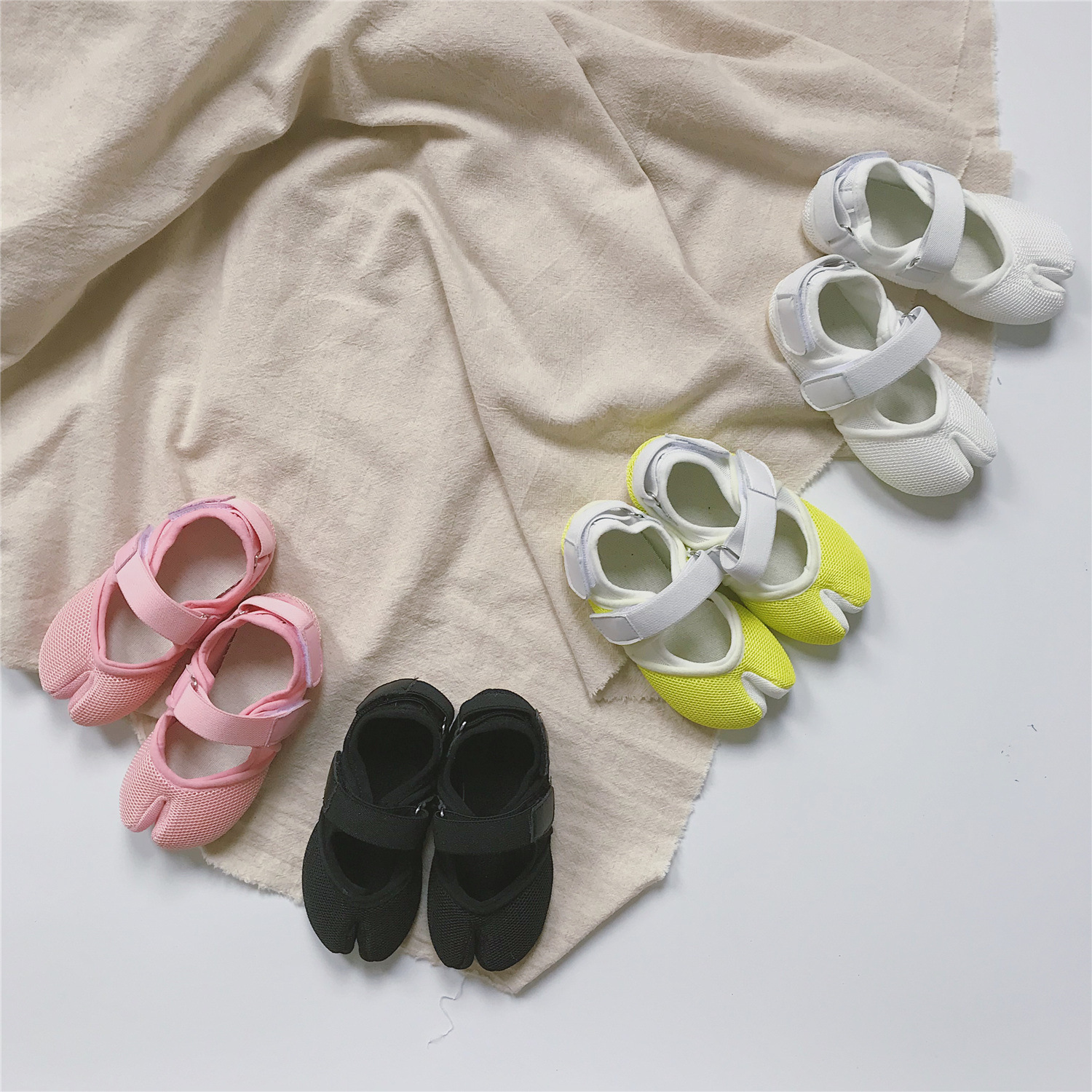 Children Magic Paste Net Divided Toe Personality Casual Shoes 201 Girls With Solid Color Kindergarten Comfortable Shoe