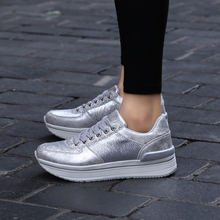 Fashion Platform Women Sneakers Lace Up Flat Casual Shoes Woman Round Toe Chunky Silver Creepers XU072