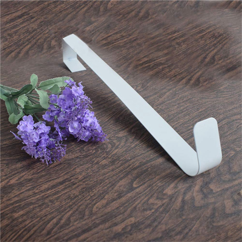 2PCS Metal Wreath Hanger Over The Door Hooks Christmas Garland Holders Seasonal Home Storage Organizer Wreath Hanger For Front D