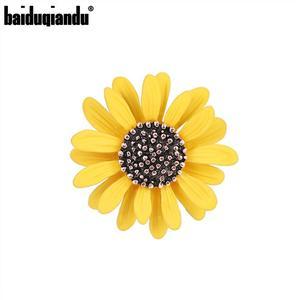 baiduqiandu 2020 Summer New Arrival Cute Sunflower Metal Alloy Brooch Pins in Gold Color Plated