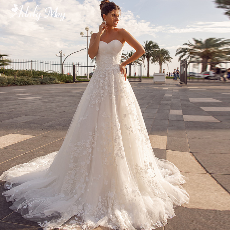 Adoly Mey New Arrival Sexy Strapless Lace Up A-Line Wedding Dresses 2020 Luxury Pleated Appliques Lace Court Train Bridal Gown