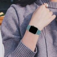 Cinturino in Silicone morbido per Apple Watch 44mm 40mm 38mm 42 mm cinturino in gomma smartwatch bracciale iWatch serie se 6 5 4 cinturino nero