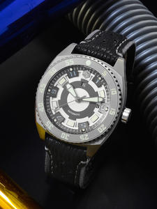 Men Watch Diver Mechanical Crystal Shark-Leather San Martin Swiss-Eta Titanium-Grade