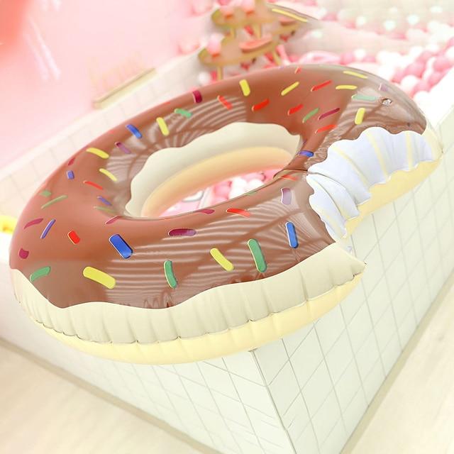 Bouée gonflable à donuts, flotteur de piscine, boule d'eau, canapé d'été, matelas à Air, anneau de natation 5