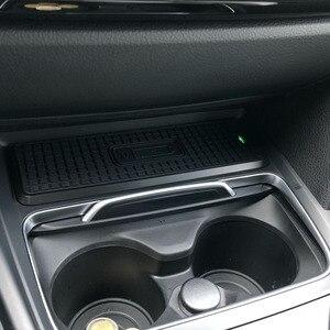 Image 5 - Cho Xe BMW 3 Series F30 F31 F82 F32 F34 F36 Xe Sạc Không Dây QI Sạc Nhanh Mô Đun Cốc Bảng Điều Khiển phụ Kiện Dành Cho iPhone