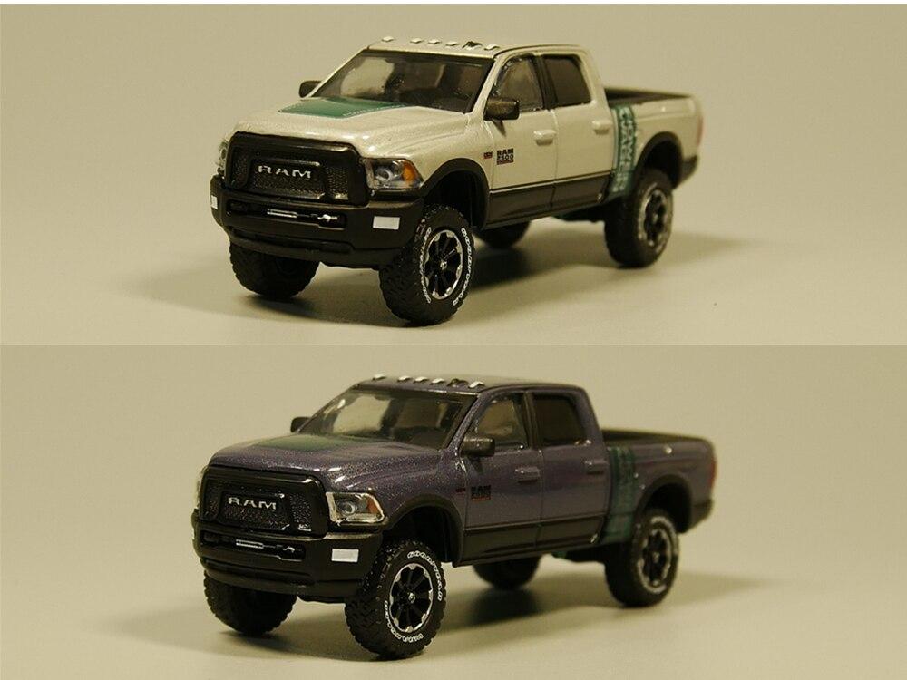 Greenlight 1:64 2016 Ram 2500 Power Wagon Blue Diecast Car Model