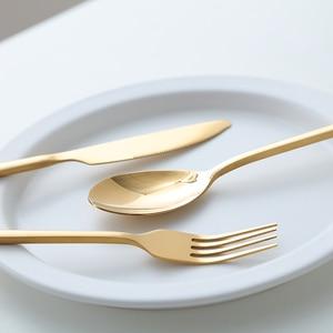 Image 4 - ใหม่ 24pcs Golden Top คุณภาพสแตนเลสสตีลสเต็กมีด Fork Party ชุดช้อนส้อมช้อนส้อมมีดส้อมชุด