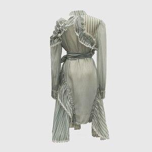 Image 2 - Vestido asimétrico de manga larga con volantes a rayas para mujer, traje de diseñador para pasarela, de alta calidad, a la moda, 2020