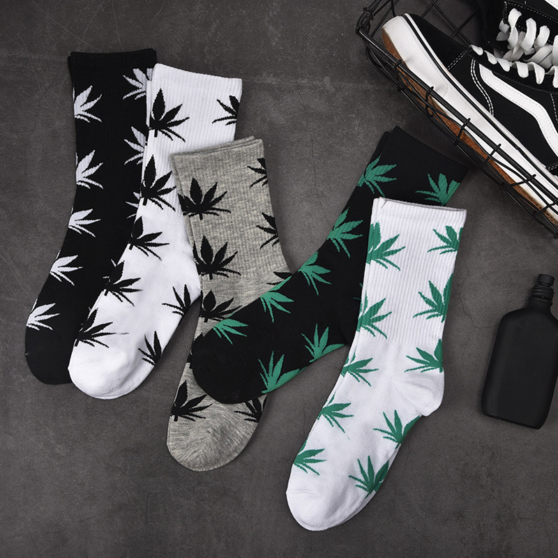 Man Fashion Comfortable High Quality Cotton Socks Leaf Maple Leaves Casual Long Paragraph Hemp Weed Boat Socks Spring And Autumn