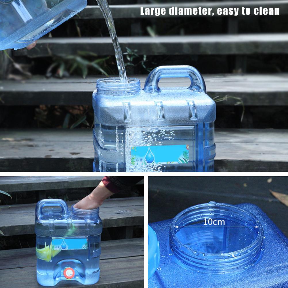 bebida ao ar livre jarro de água