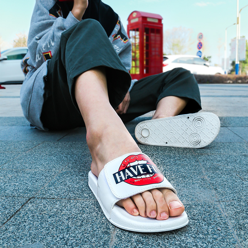Swalker 2020 Men Slipper Summer Cartoon Lover Sansals Outdoor Beach Print Funny Shoes Slide Flip Flops Bath Room Comfy