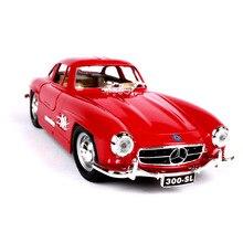 цена на Bburago 1:24 1954 Mercedes 300 SL simulation alloy car model crafts decoration collection toy tools gift