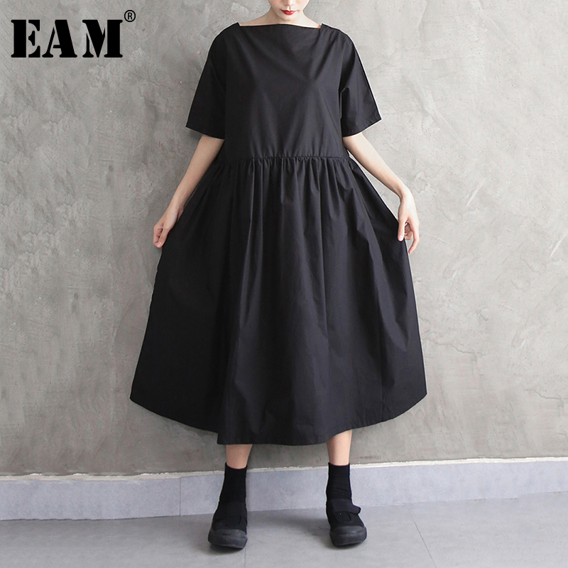 [EAM] Women Black Brief Pleated Big Size Dress New Round Neck Half Sleeve Loose Fit Fashion Tide Spring Autumn 2020 1N596