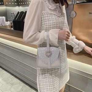 Image 5 - Luxy Mond Frauen Leder Handtasche Luxus Diamant Kupplung Geldbörse für Braut Partei Schulter Tasche mit Herz Kristall Dekoration ZD1490
