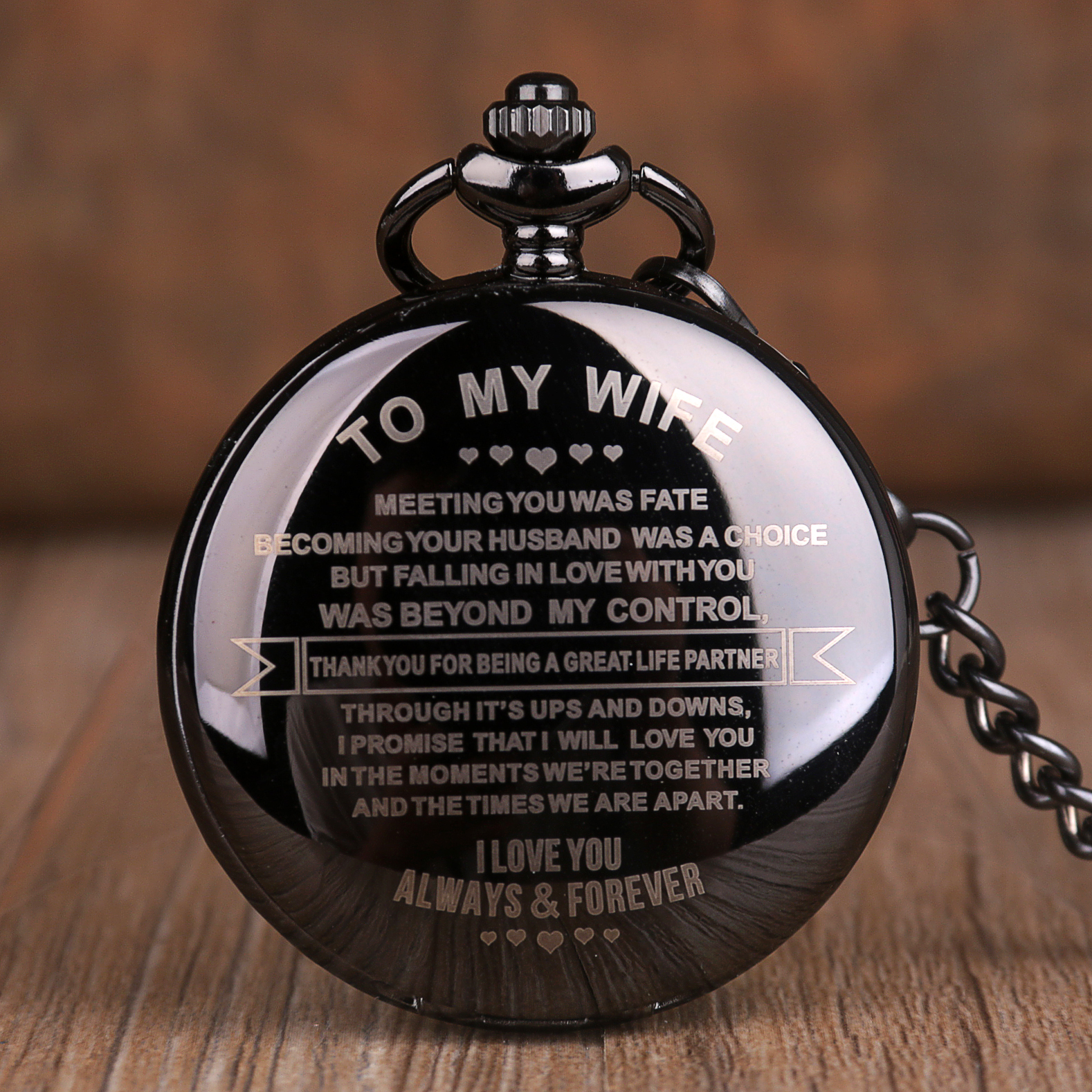 To My Wife Design Pocket Watches Retro Quartz Pocket Watches Anniversary Couples Gifts Full Black Smooth Face Pendant Clock