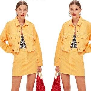 Image 2 - 여름 여성 2 세트 핫 세일 여성 패션 단색 싱글 브레스트 데님 자켓 + 포켓 짧은 스커트 2 피스 슈트