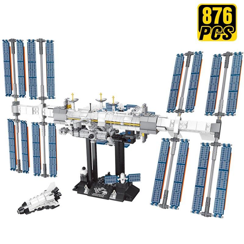 https://ae01.alicdn.com/kf/H893ae341a5624b9a99a1f862f4e56f240/Creator-Expert-pomys-y-techniczne-klocki-mi-dzynarodowa-stacja-kosmiczna-statek-kosmiczny-urodziny-prezent-dla-ch.jpg