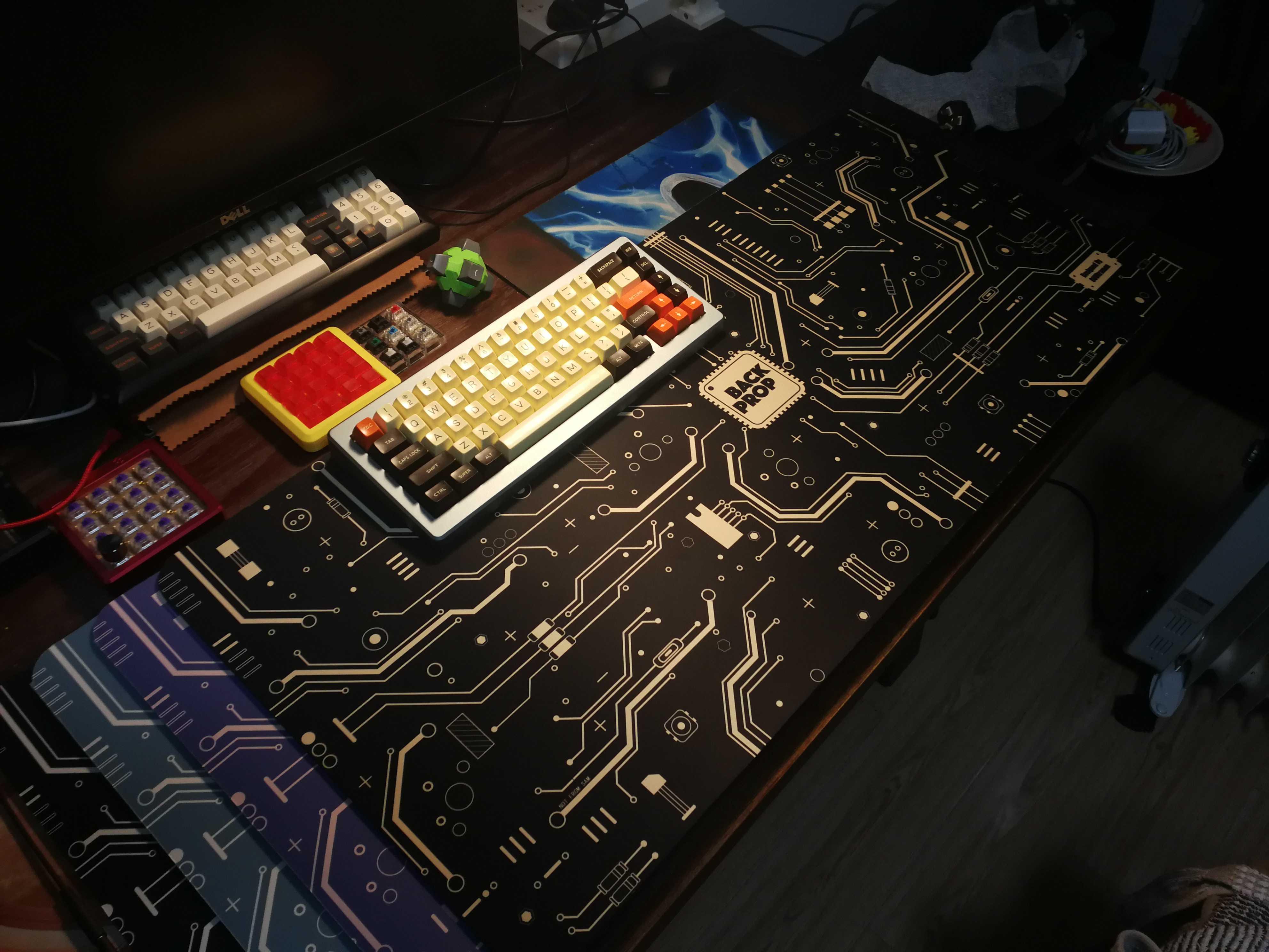 """Designer Authorized-""""Doro Customized Keyboard"""" Theme Table Mat"""