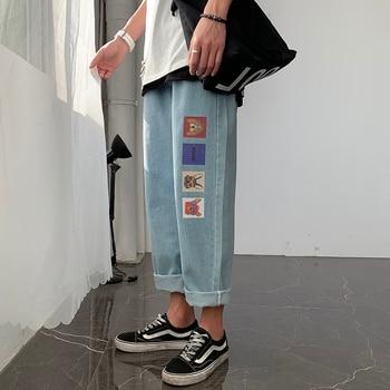 цена на Fashion Print Men Pants Jeans Loose Fit Streetwear for Men Plus Size Japan Harajuku Drawstring Jeans with 4 Pockets Blue Jeans