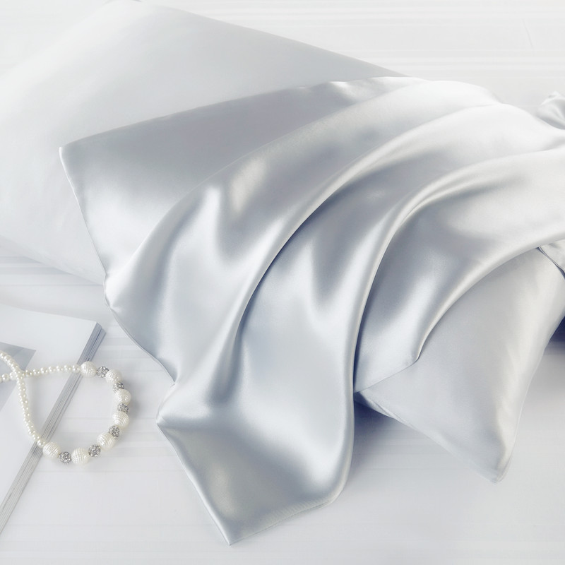 1PC Luxury Satin Pillowcase With Zipper (Silky Satin Pillow Case For Hair)